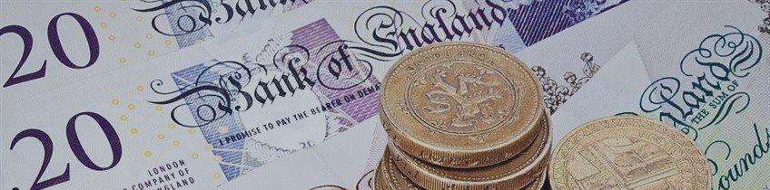Фунт снижается на политической неопределенности