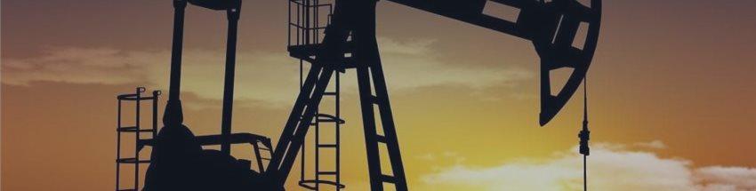 Эталонные марки нефти упали до минимумов с начала мая на данных о запасах в США