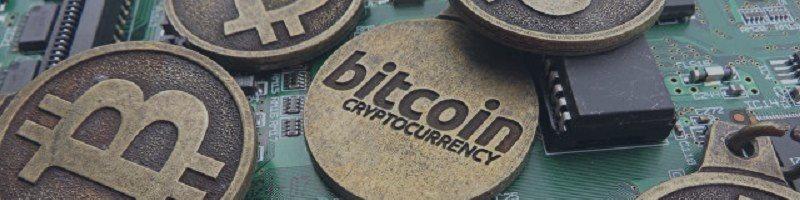 Пользователи криптовалютных карт активно обналичивают средства