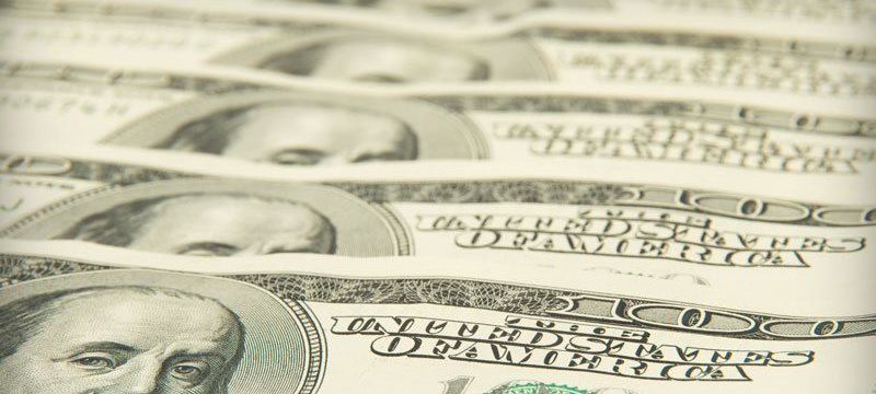Доллар игнорирует статистику, ожидая выхода NFP и оглядываясь на Трампа