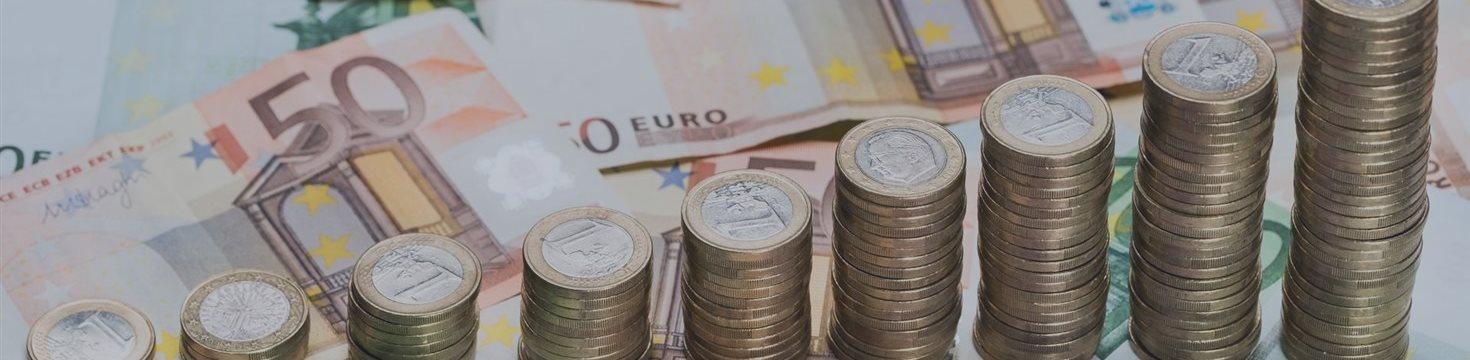 Курс евро превысил 75 рублей впервые с 3 августа 2016 года