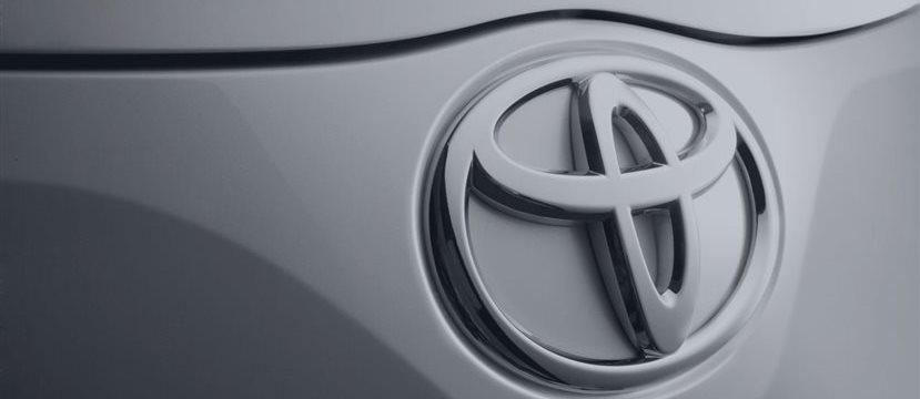 Toyota llama a revisión a 1,67 millones de autos en el mundo para arreglar tres defectos