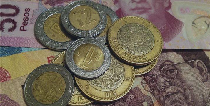 Peso mexicano aumenta su caída por temores sobre situación global